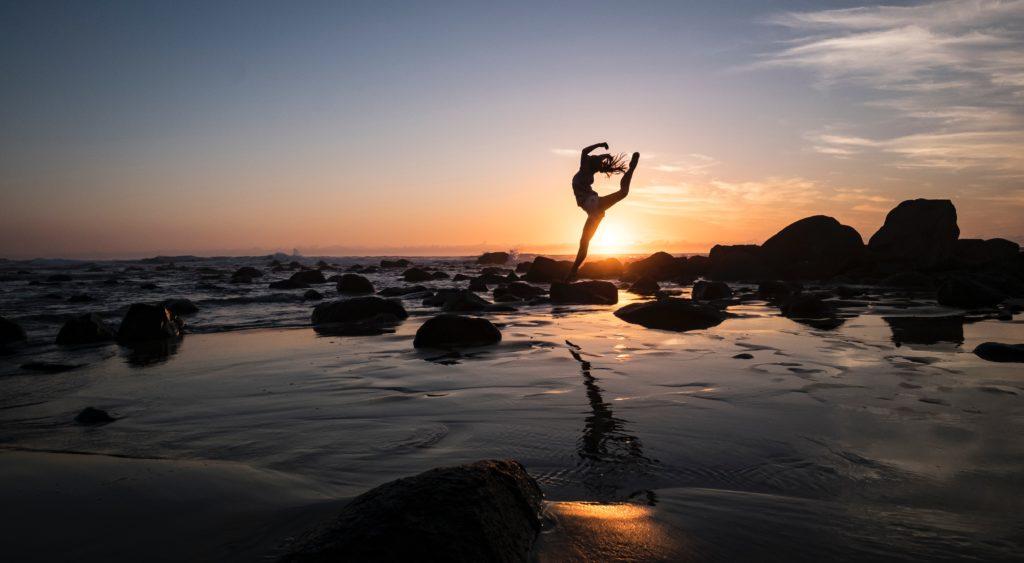 Deixa fluir as tuas ideias, emoções e vontade, rítmica e harmoniosamente, como uma dança de fadas, sobretudo nos pequenos atos diários